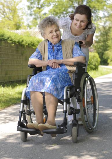Pomoć u kući pružaju stručne osobe