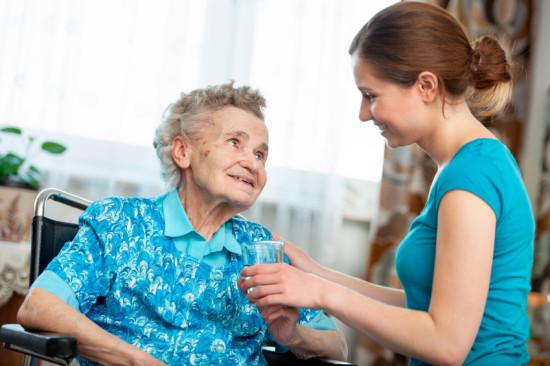 Pomoć i njega u kući za starije osobe